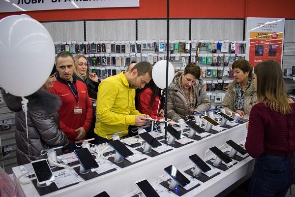 Фокстрот під новий рік  відкриття 4 магазинів «з нуля» і 1 реформат eee594d8b3625